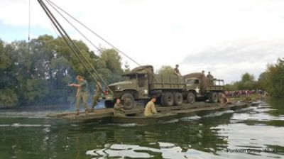 Re-enactment Waalcrossing Nijmegen